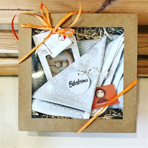 Picture of Little Organics snuggle time baby Hamper